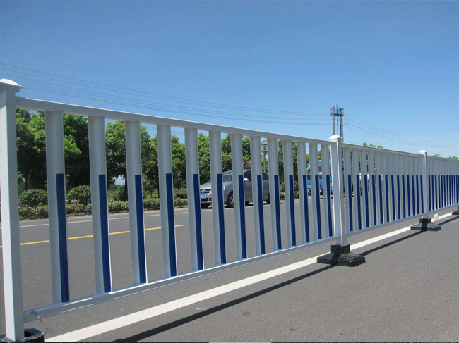 锌钢道路护栏案例