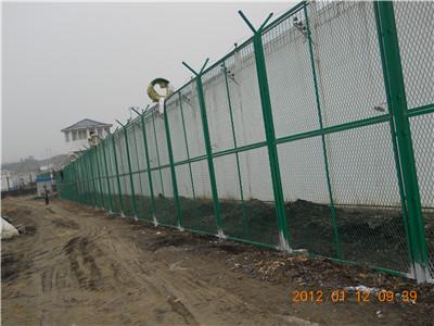 江苏福建某监狱隔离网施工现场(2)