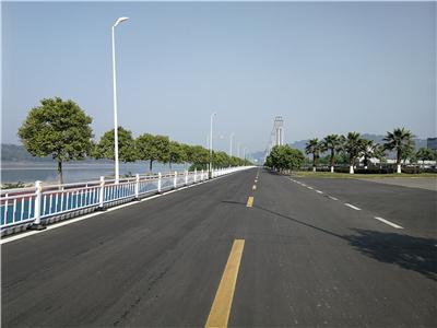 朝阳升道路护栏03.jpg
